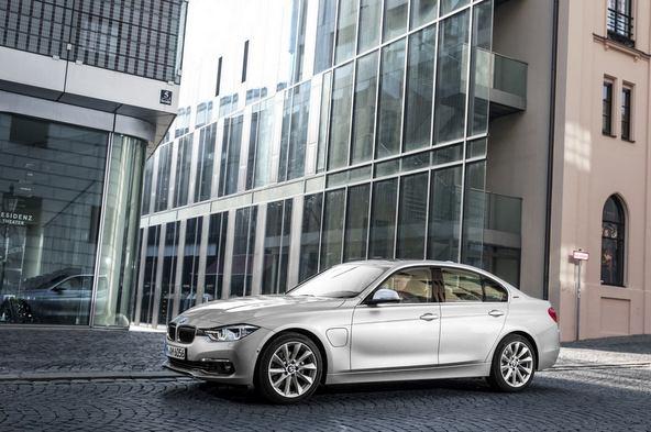 BMW3シリーズ プラグインハイブリッド