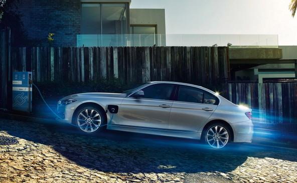 BMW330e PHEV 中古