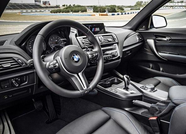 BMW M2 内装