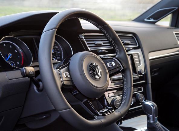 VW ゴルフR 内装