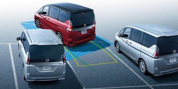 セレナe-POWER 駐車支援機能